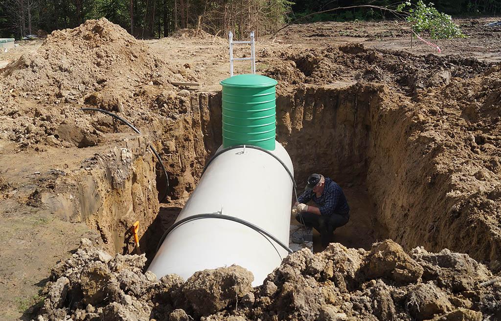 Процесс закрепления тросами газгольдера к бетонному основанию - компания ГАЗБУРГ