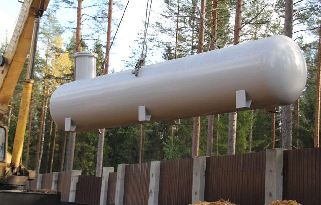 Установка газгольдера используя манипулятор - компания ГАЗБУРГ